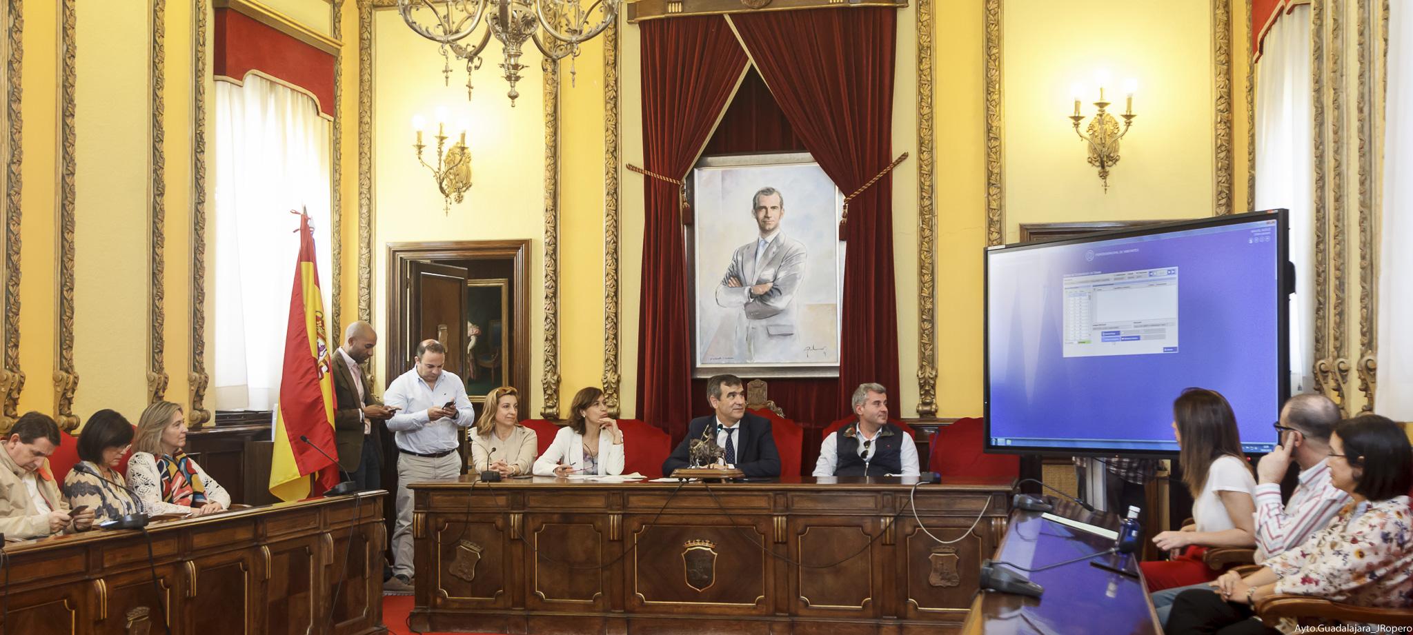 Celebrado el sorteo para la designación de los componentes de las 102 mesas  para las elecciones del 26 de mayo