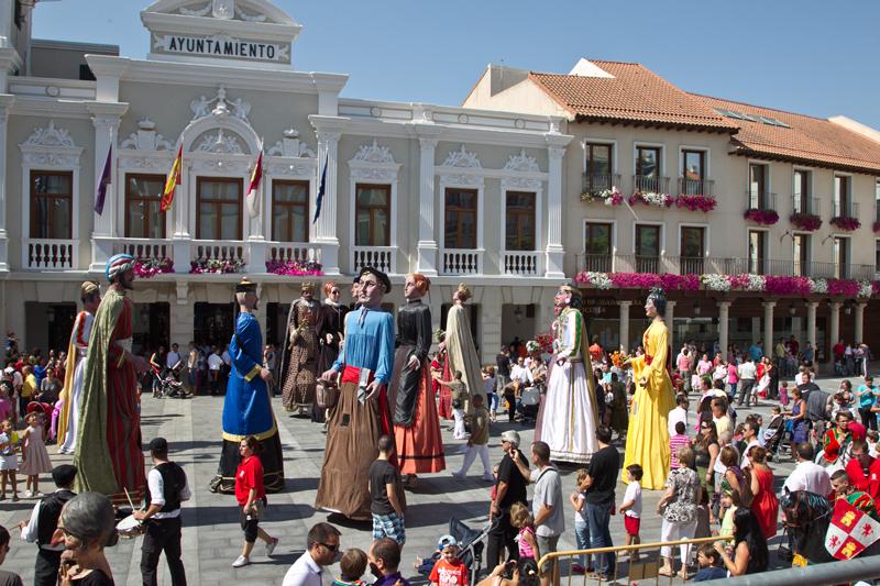 Gigantes y cabezudos durante las Ferias y fiestas
