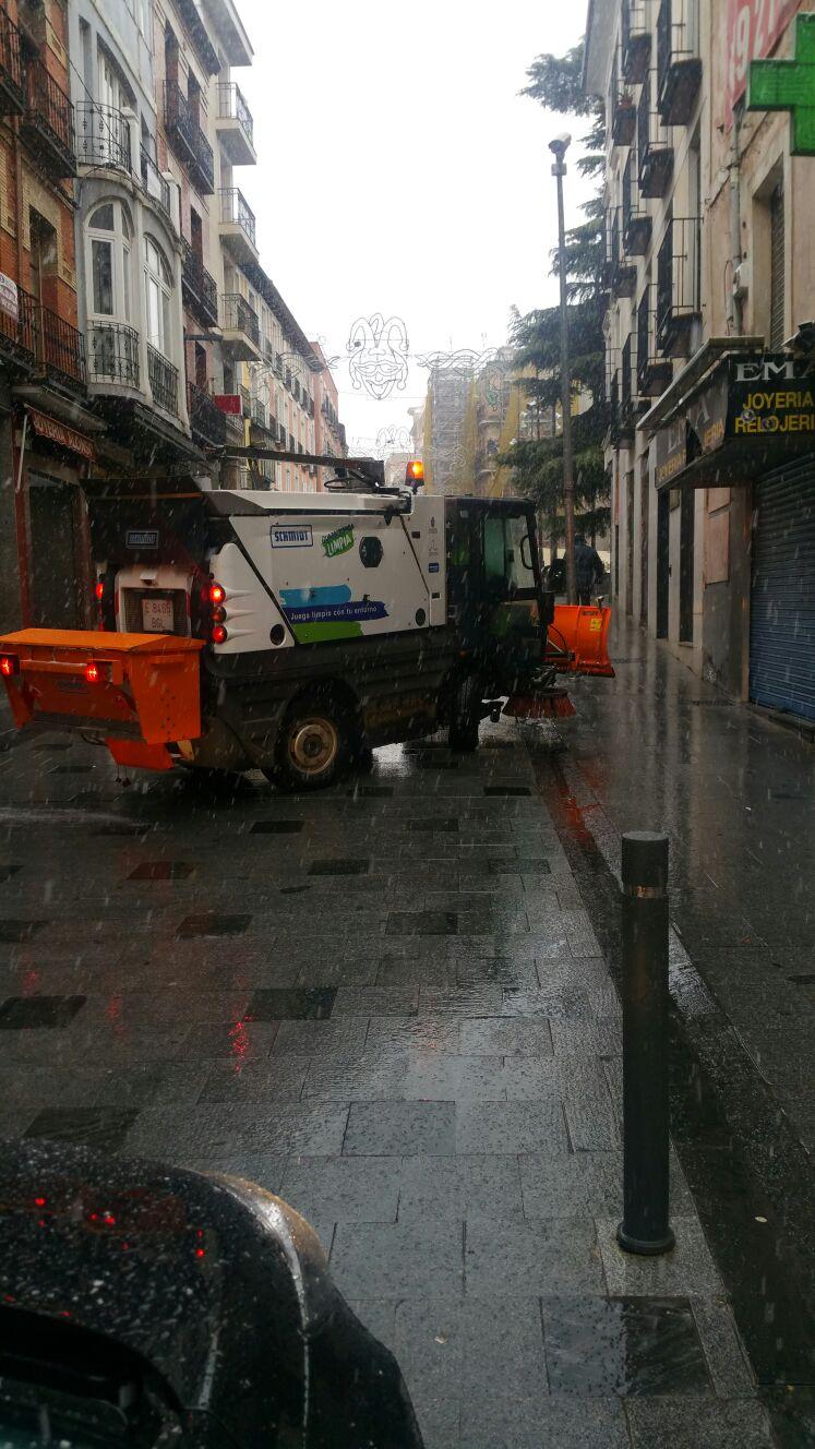 Activo el dispositivo de actuación ante la nevada que cae sobre Guadalajara