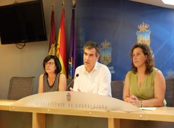 La Junta de  Gobierno Local aprobó ayer las convocatorias de emergencia social, con ayudas para familias y maternidad, y la convocatoria de ayudas a   emprendedores
