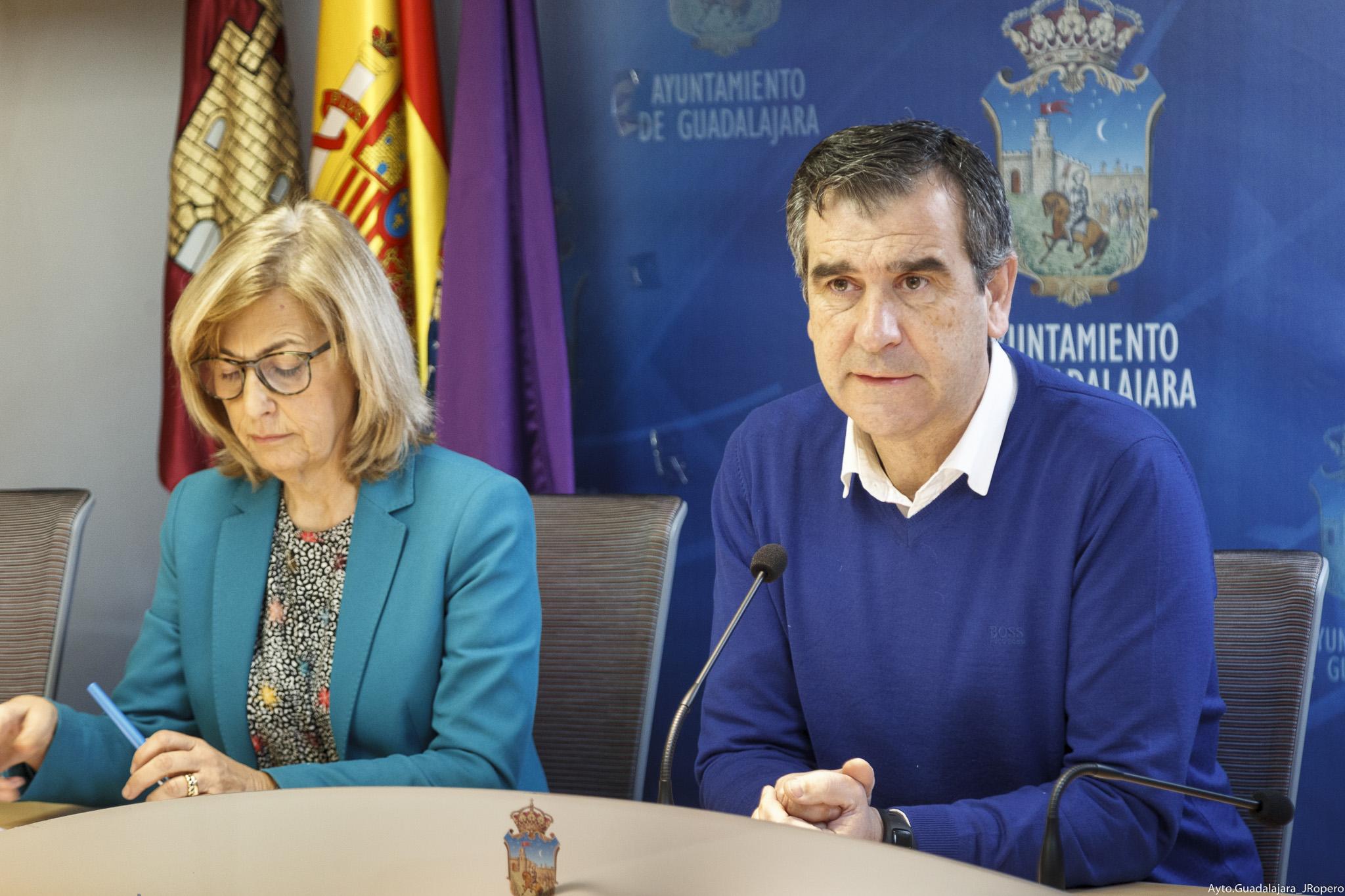 El Ayuntamiento de Guadalajara concede cerca de 500 ayudas para subvencionar gastos derivados de la compra de material escolar