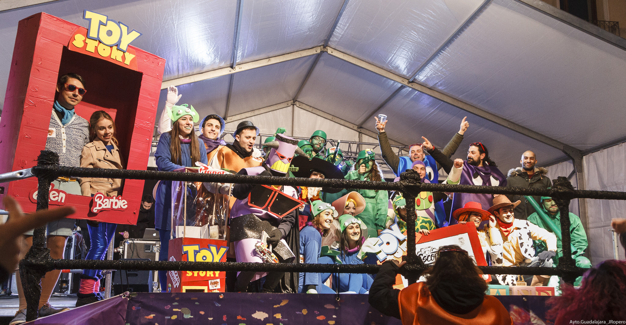 Colorido e imaginación en los disfraces presentados a los concursos de Carnaval