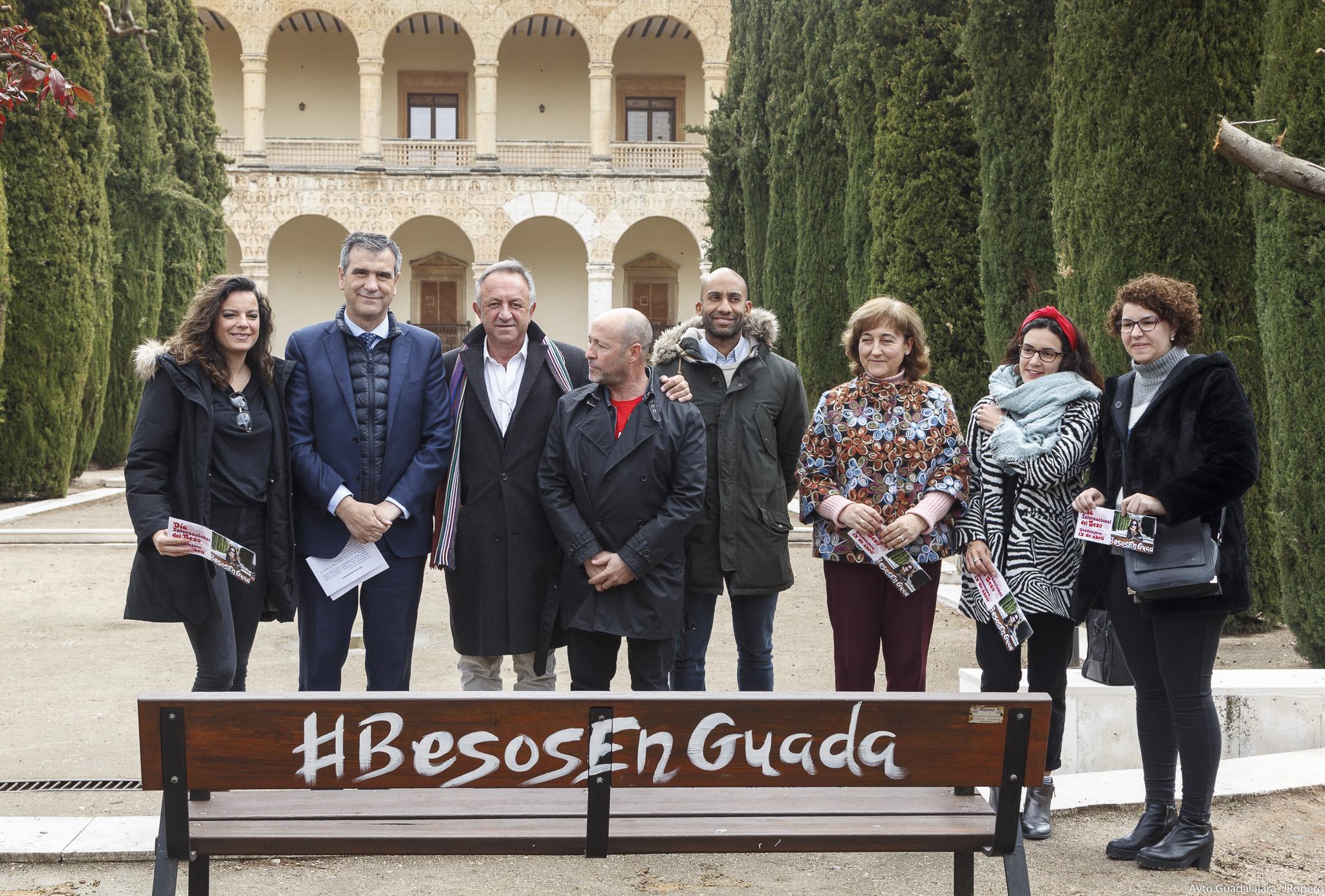 Guadalajara conmemorará el Día Internacional del Beso con una original iniciativa