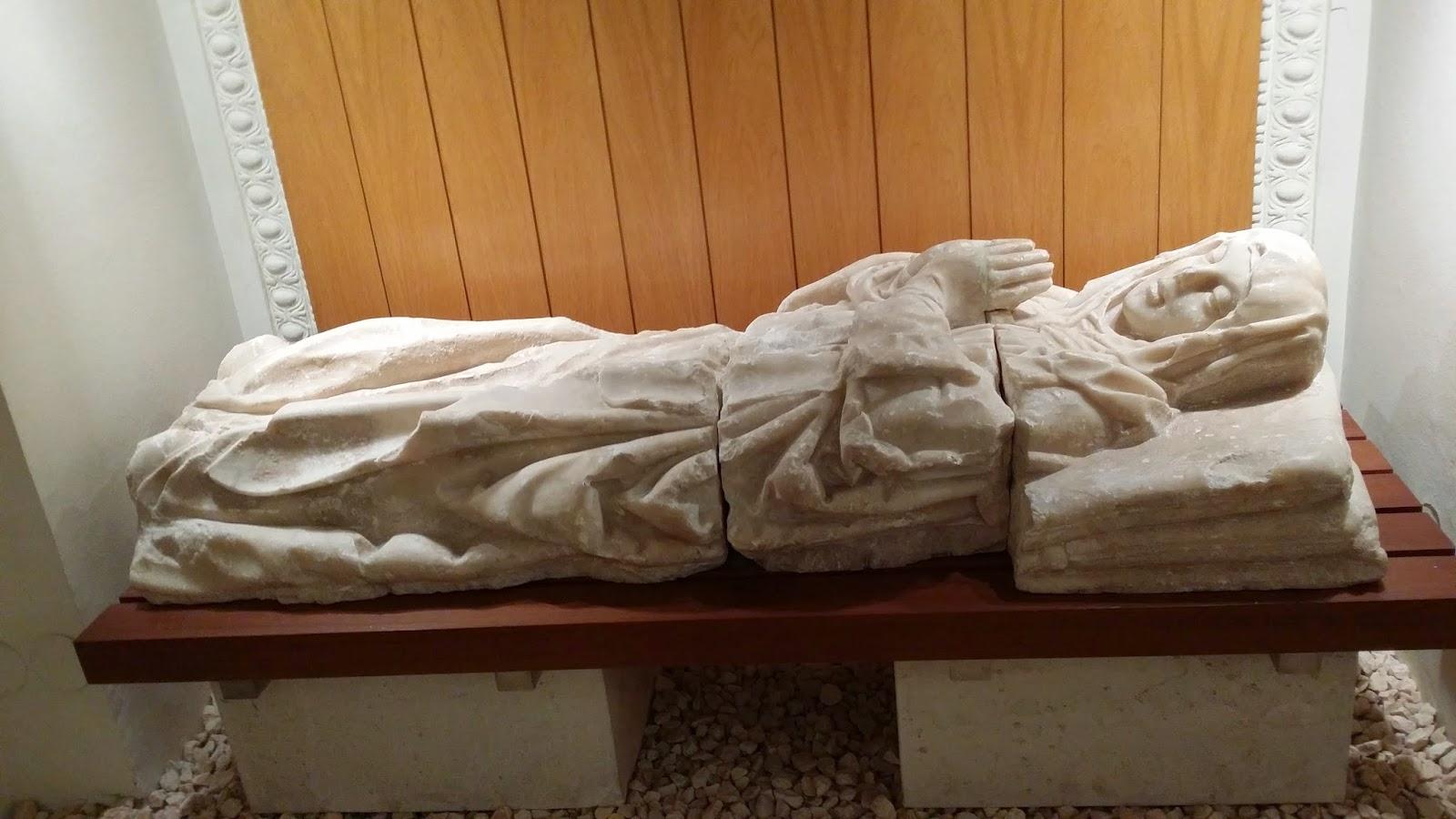 El  detalle monumental de marzo, dedicado a los sepulcros y esculturas funerarias renacentistas
