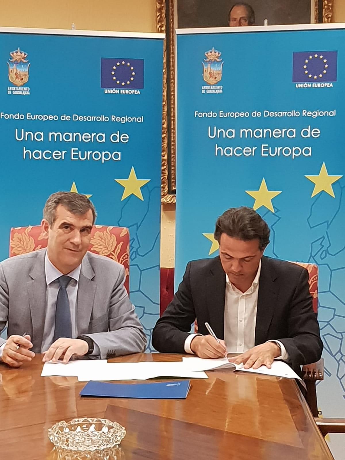 El Ayuntamiento de Guadalajara y Ferrovial firman el contrato que permitirá renovar la iluminación en las instalaciones deportivas municipales