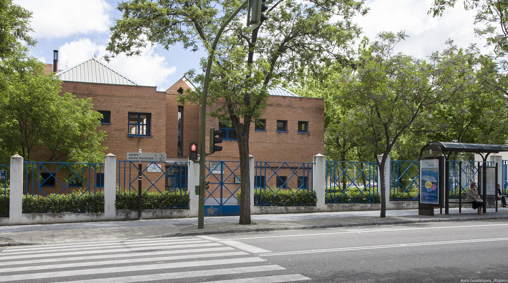 El Ayuntamiento pone en marcha el operativo especial para el traslado a los colegios electorales