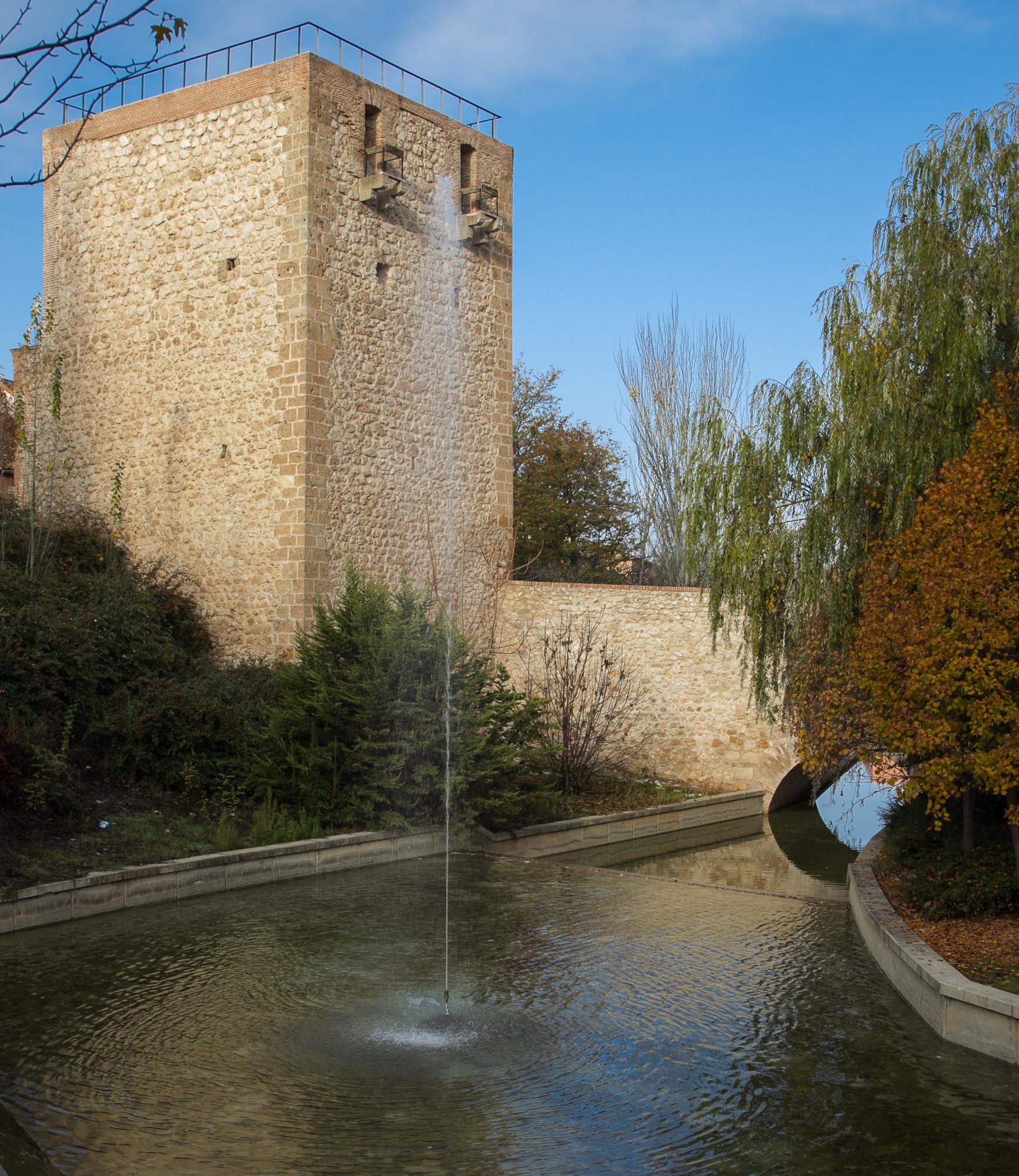 En abril, la muralla defensiva de la ciudad será el  detalle monumental del mes