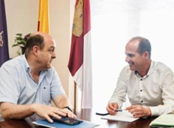 El alcalde se compromete a aportar 150.000 euros para la reforma de la Casa Nazaret de Guadalajara