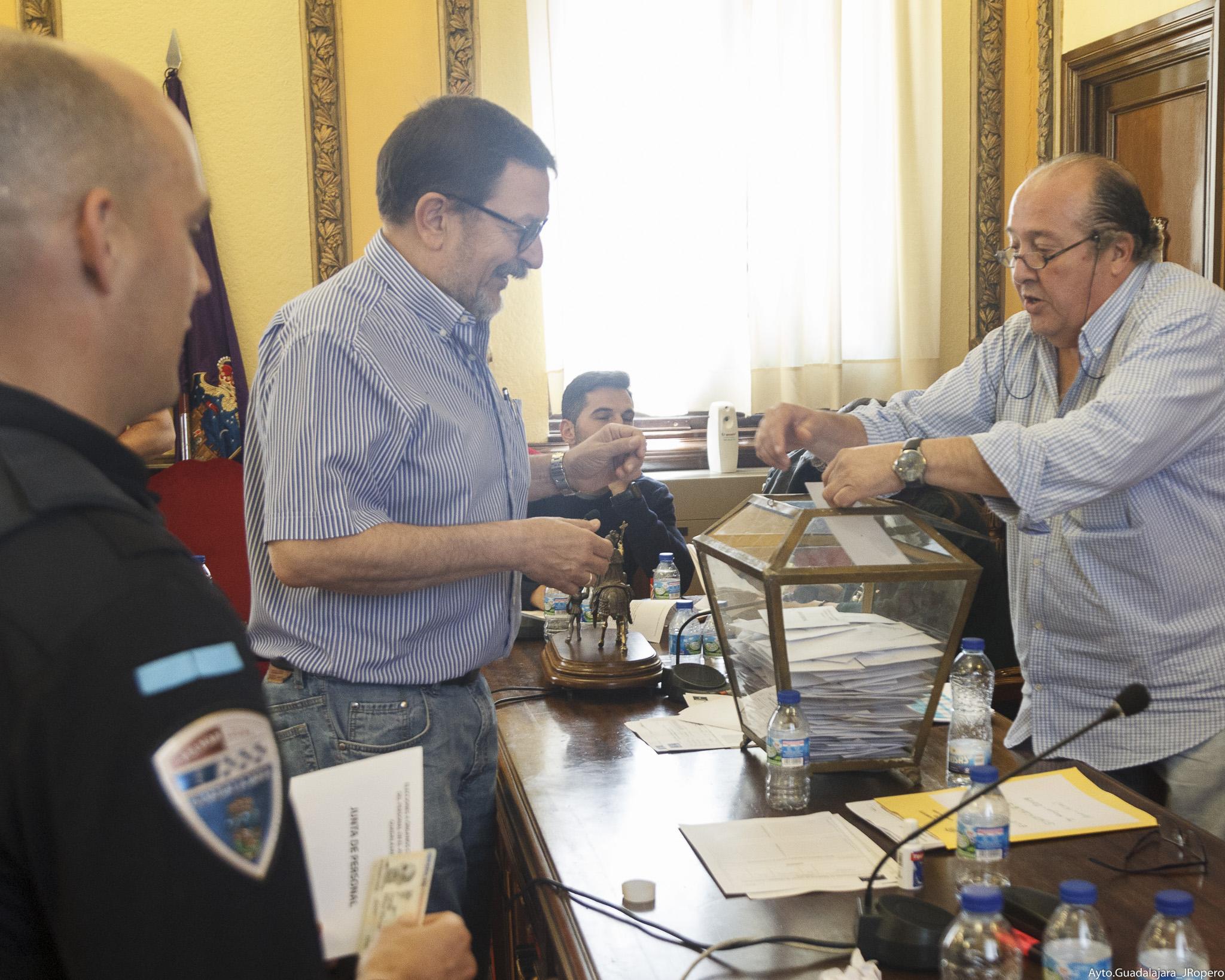 Los trabajadores del Ayuntamiento de Guadalajara y de sus patronatos eligieron ayer a sus representantes sindicales para los próximos cuatro años