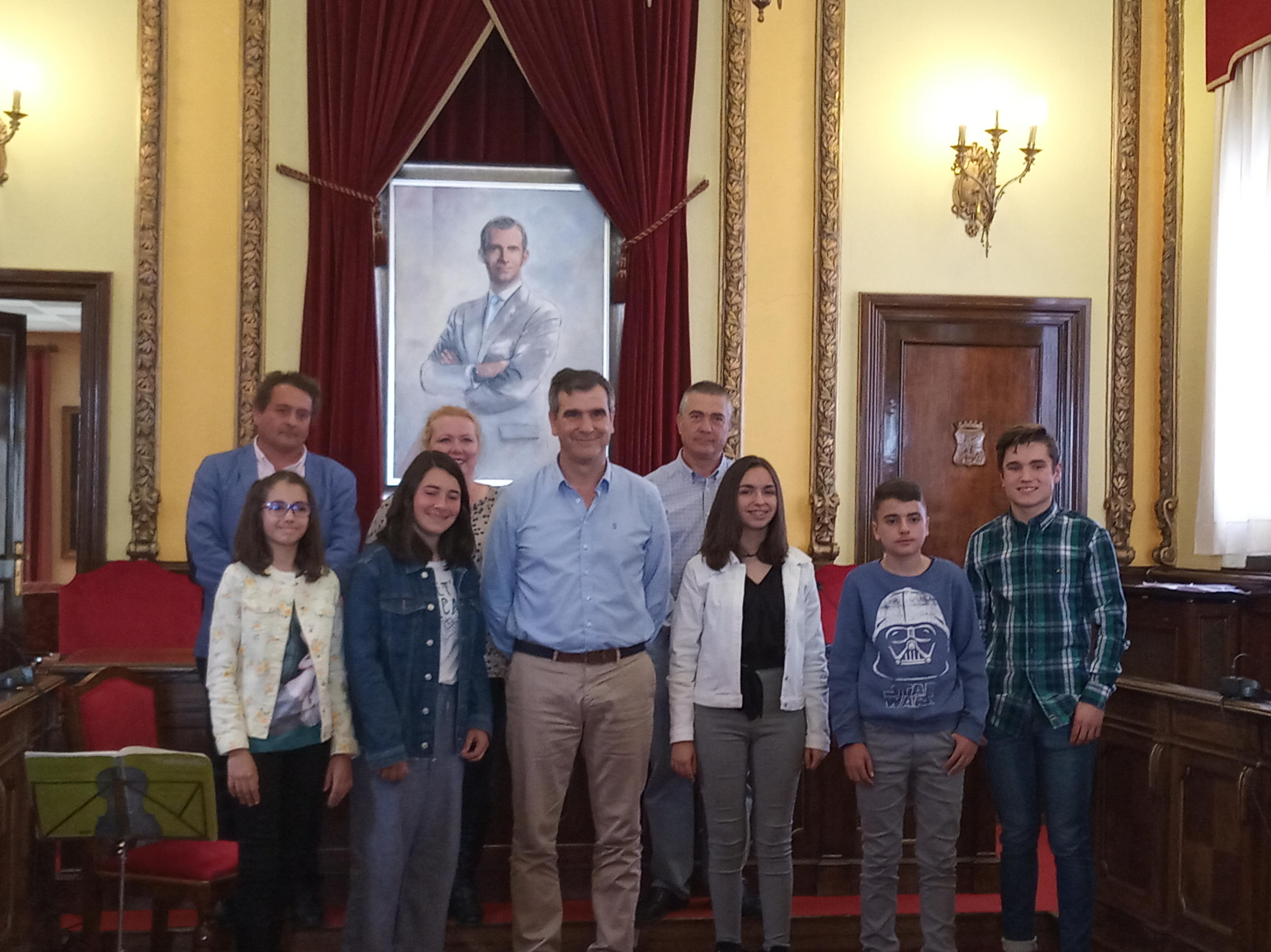 Entregados en el Ayuntamiento los premios del primer concurso literario organizado por La Camada