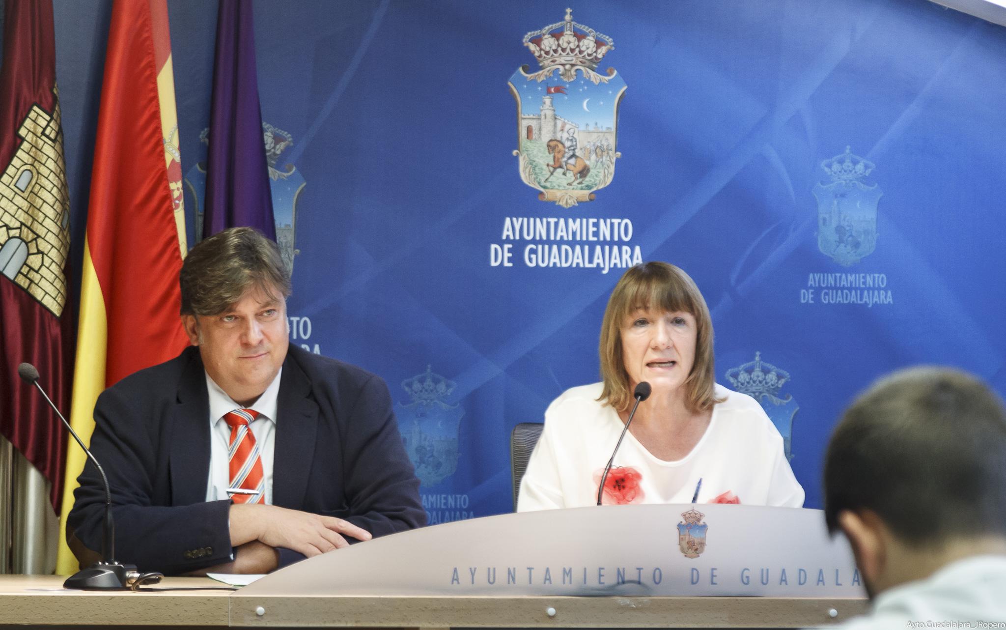 La Junta de Gobierno destina 145.000 euros a becas para escuelas infantiles y para material escolar no curricular