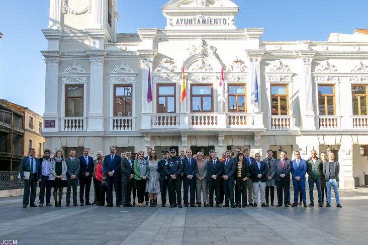 El Ayuntamiento de Guadalajara recibe la visita del presidente de la Junta de Comunidades de Castilla-La Mancha, Emiliano García Page