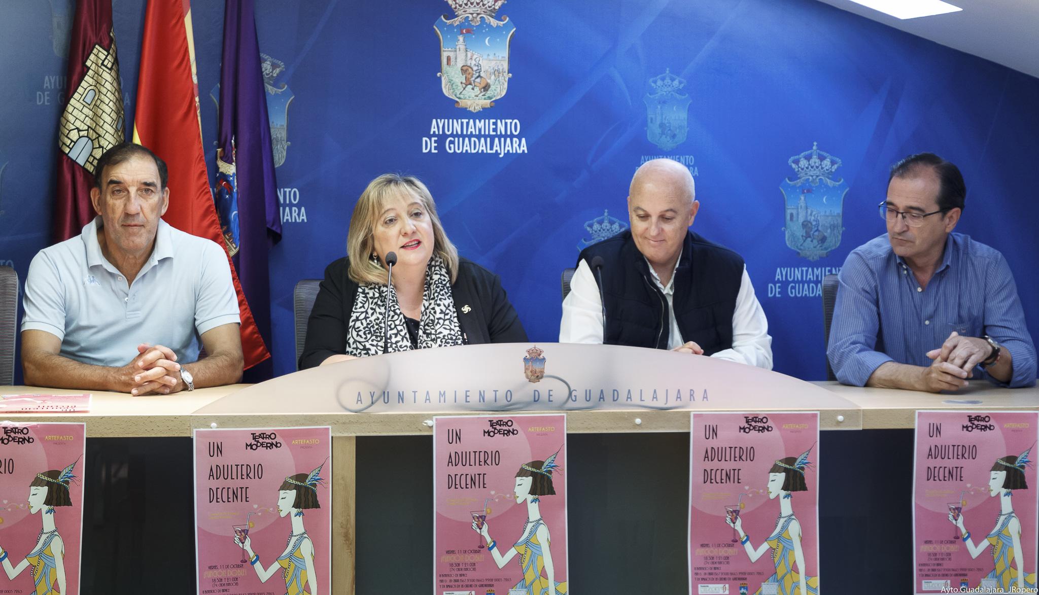 La recaudación   de la divertida comedia de Jardiel Poncela, Un adulterio decente, se destinará a  la Fundación Nipace y a la  asociación Amigos de Guadalajara