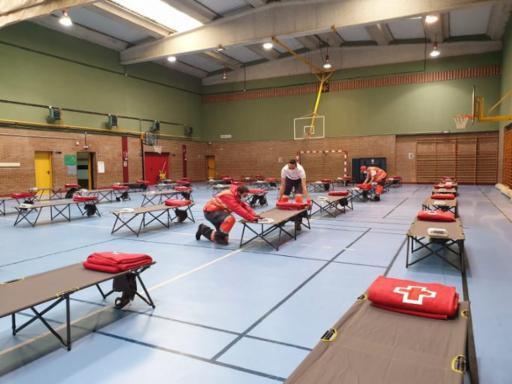 Ayuntamiento,  Junta y Protección suman esfuerzos con Cruz Roja en la creación de un albergue para personas sin hogar durante la emergencia sanitaria