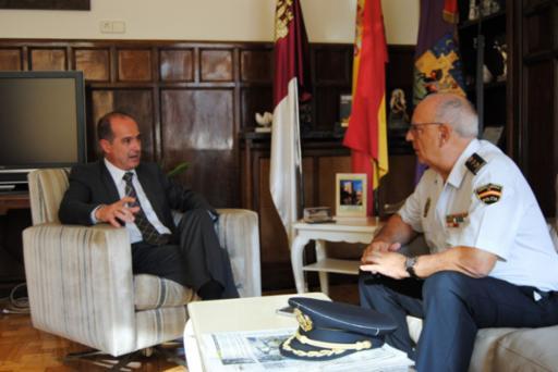 Alberto Rojo propondrá al Pleno la concesión de la medalla de oro a la Policía Nacional en Guadalajara